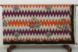 Pabrik Kain Batik Pasuruan Jawa Timur Menggunakan Teknik Plangkan Malam